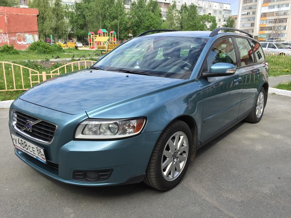 Подержанный Volvo V50, отличное состояние, бирюзовый , 2008 года выпуска, цена 600 000 руб. в ао. Ханты-Мансийском Автономном округе - Югре