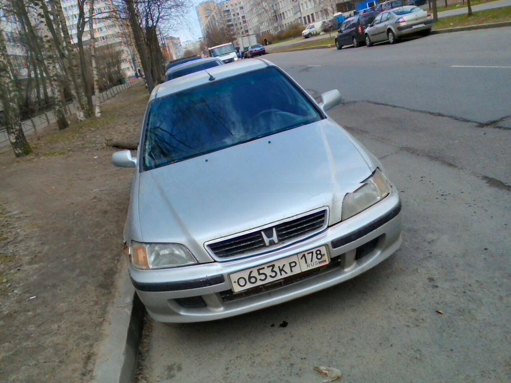 Подержанный Honda Civic, хорошее состояние, серебряный , 1997 года выпуска, цена 70 000 руб. в Санкт-Петербурге