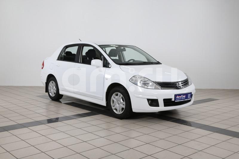 Nissan Tiida с пробегом, белый акрил, отличное состояние, 2012 года выпуска, цена 417 000 руб. в автосалоне АвтоГрад Нормандия (Иваново, ул. Полка Нормандия-Неман, д. 7, стр. 2)