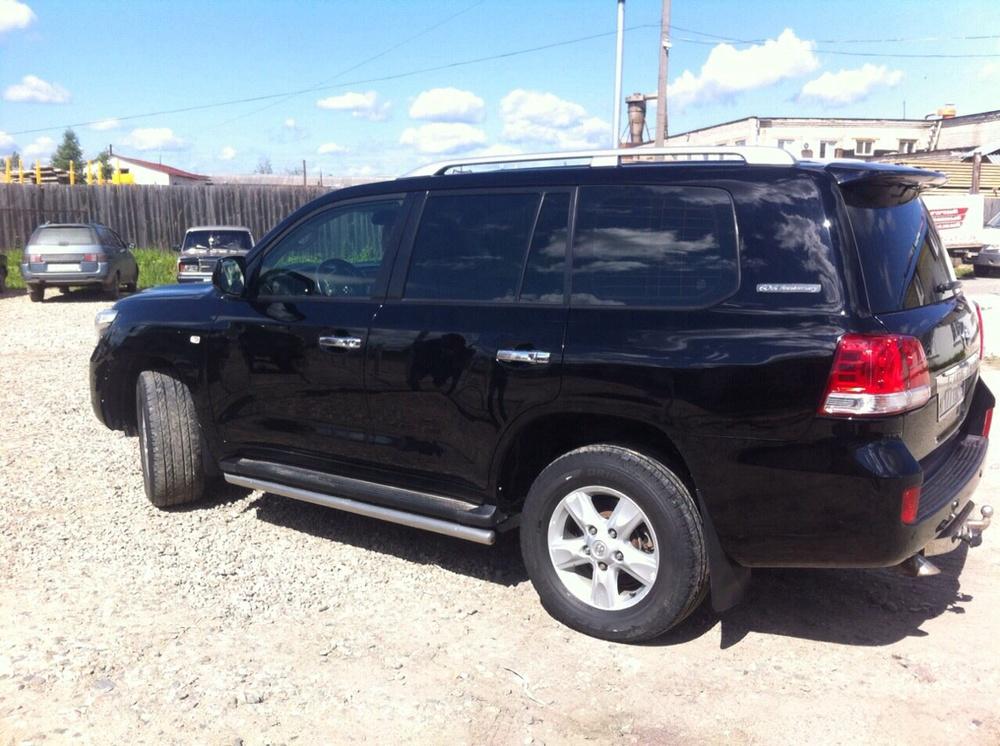 Подержанный Toyota Land Cruiser, хорошее состояние, черный , 2011 года выпуска, цена 2 100 000 руб. в Костромской области