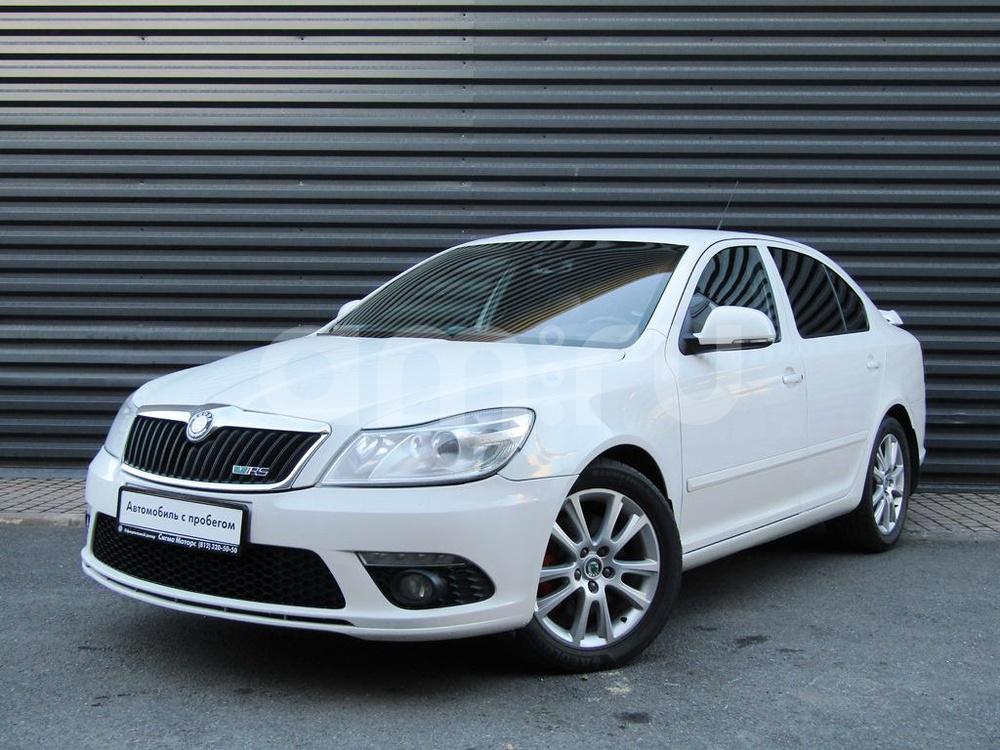 Skoda Octavia с пробегом, белый , отличное состояние, 2010 года выпуска, цена 642 800 руб. в автосалоне  ()