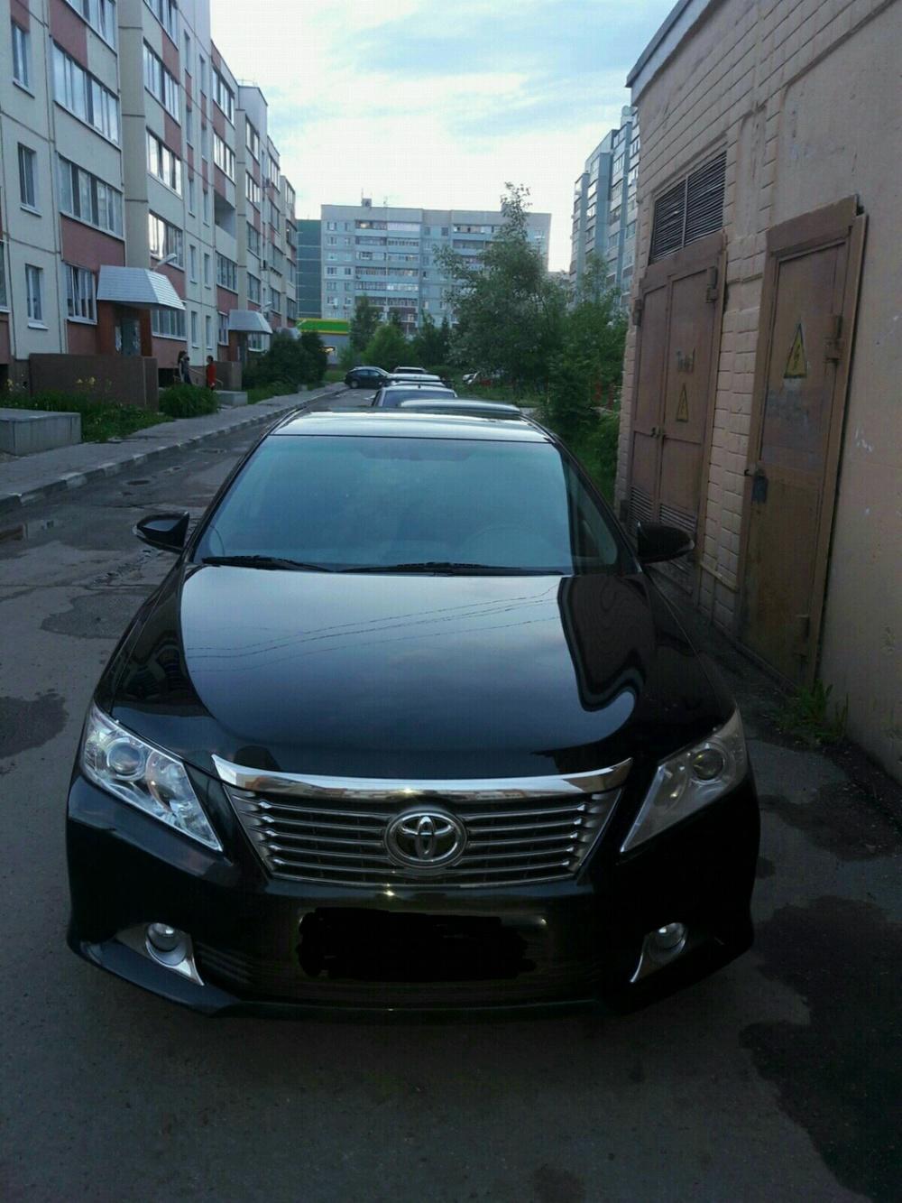 Подержанный Toyota Camry, отличное состояние, черный металлик, 2013 года выпуска, цена 950 000 руб. в Ульяновской области