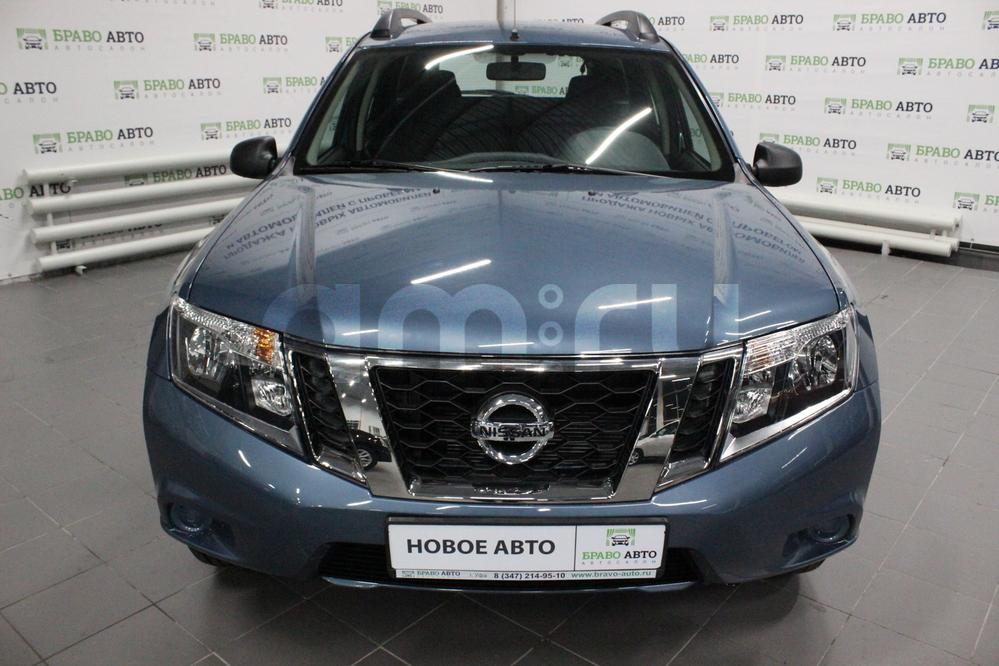 Nissan Terrano с пробегом, синий , отличное состояние, 2017 года выпуска, цена 770 000 руб. в автосалоне Браво Авто (Уфа, проезд Базисный, д. 2Д)