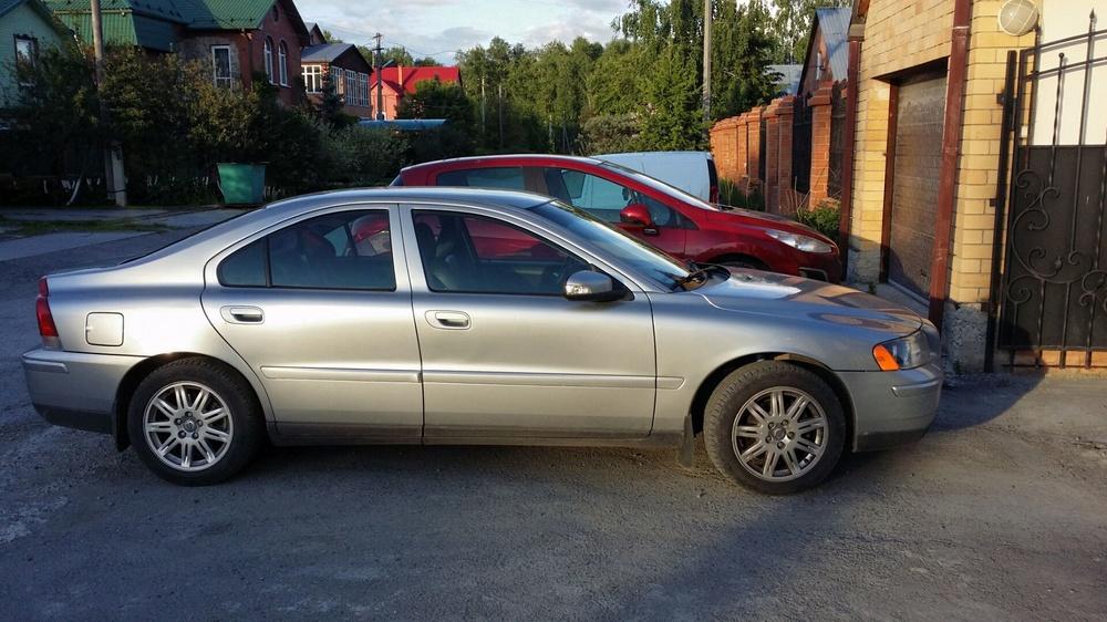 Подержанный Volvo S60, отличное состояние, серебряный , 2007 года выпуска, цена 499 000 руб. в Тюмени