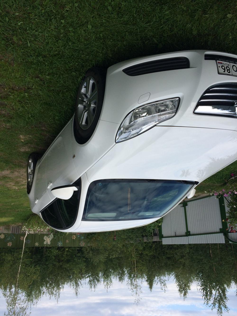 Подержанный Opel Insignia, отличное состояние, белый , 2012 года выпуска, цена 790 000 руб. в ао. Ханты-Мансийском Автономном округе - Югре