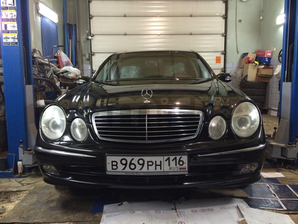 Подержанный Mercedes-Benz E-Класс, отличное состояние, черный бриллиант, 2003 года выпуска, цена 575 000 руб. в республике Татарстане