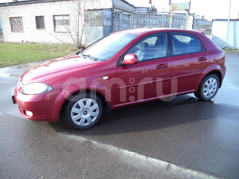 Chevrolet Lacetti с пробегом, пурпурный металлик, отличное состояние, 2012 года выпуска, цена 350 000 руб. в автосалоне Инфо Кар Плюс (Санкт-Петербург, дорога на Турухтанные острова, д. 10)