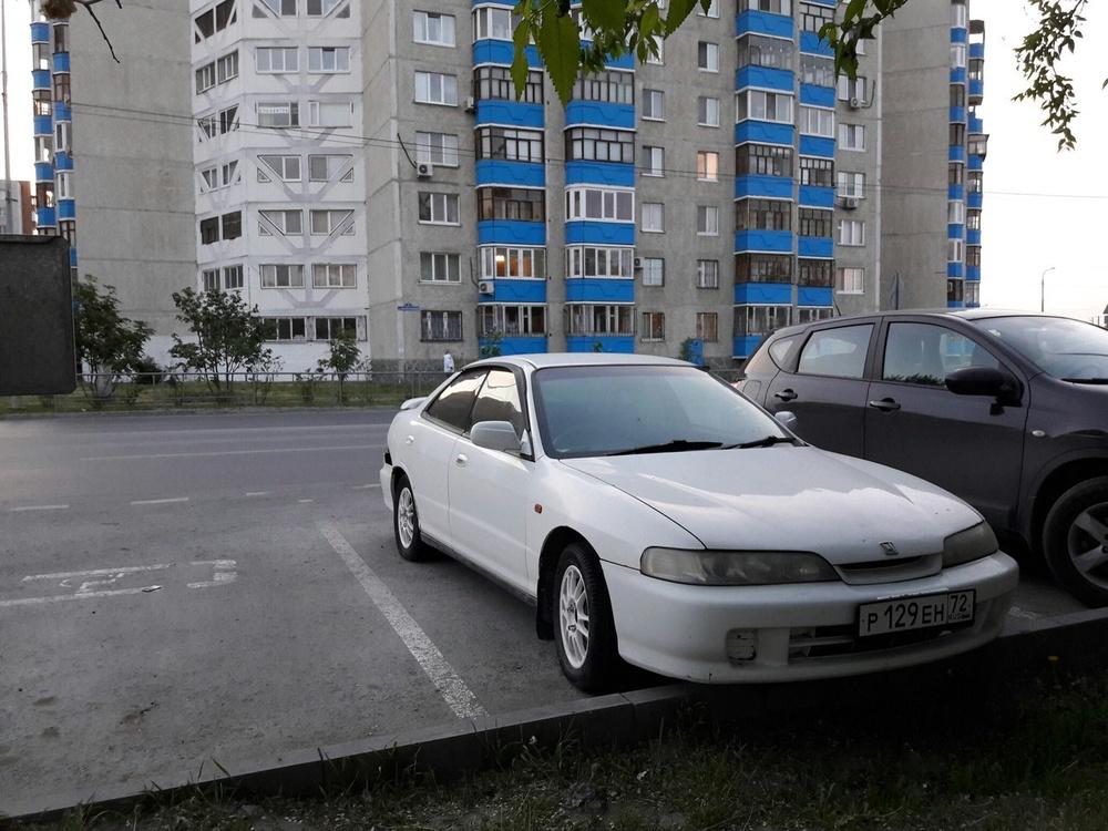 Подержанный Honda Integra, плохое состояние, белый , 1999 года выпуска, цена 88 000 руб. в Тюмени
