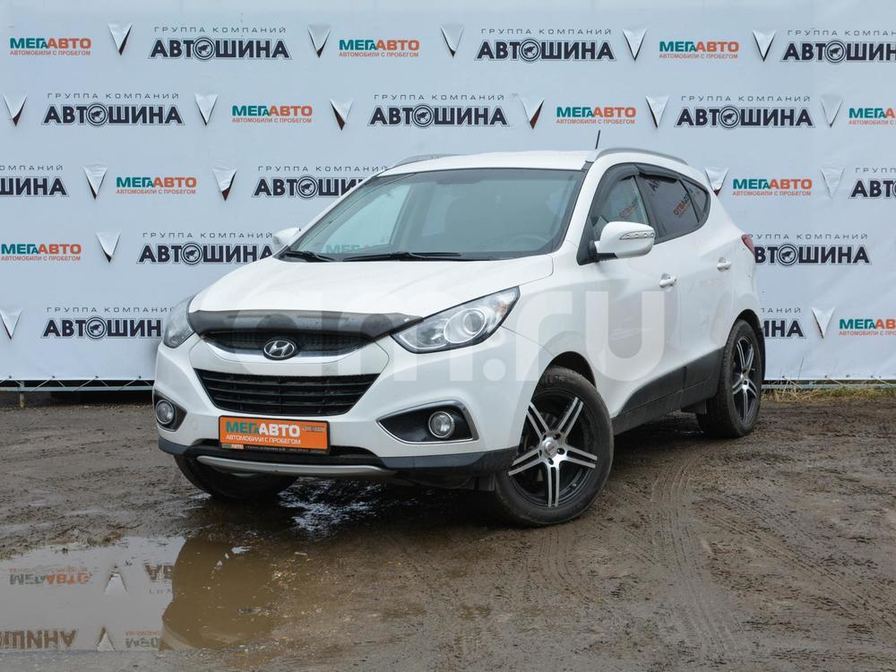 Hyundai ix35 с пробегом, белый , отличное состояние, 2011 года выпуска, цена 805 000 руб. в автосалоне Мега Авто Калуга (Калуга, ул. Зерновая, д. 28)