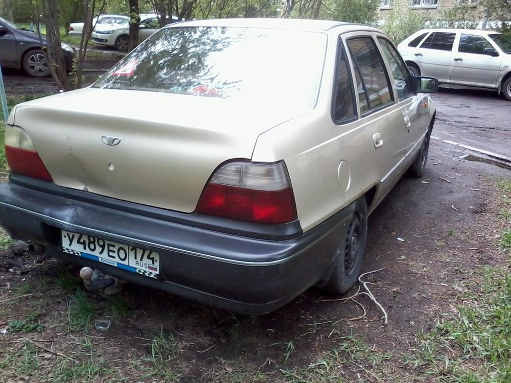 Подержанный Daewoo Nexia, среднее состояние, бежевый металлик, 1997 года выпуска, цена 60 000 руб. в Челябинской области
