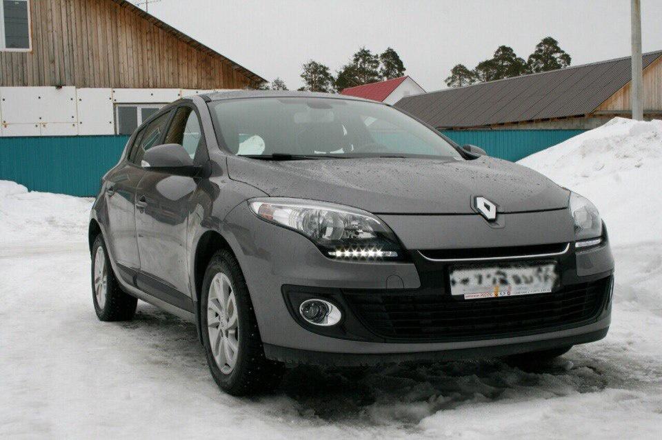 Подержанный Renault Megane, хорошее состояние, мокрый асфальт , 2012 года выпуска, цена 450 000 руб. в ао. Ханты-Мансийском Автономном округе - Югре