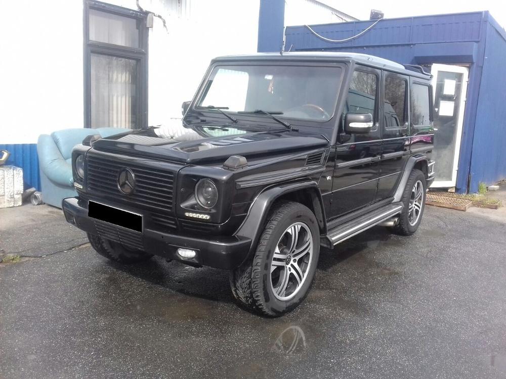 Подержанный Mercedes-Benz G-Класс, отличное состояние, черный , 1998 года выпуска, цена 1 000 000 руб. в Санкт-Петербурге