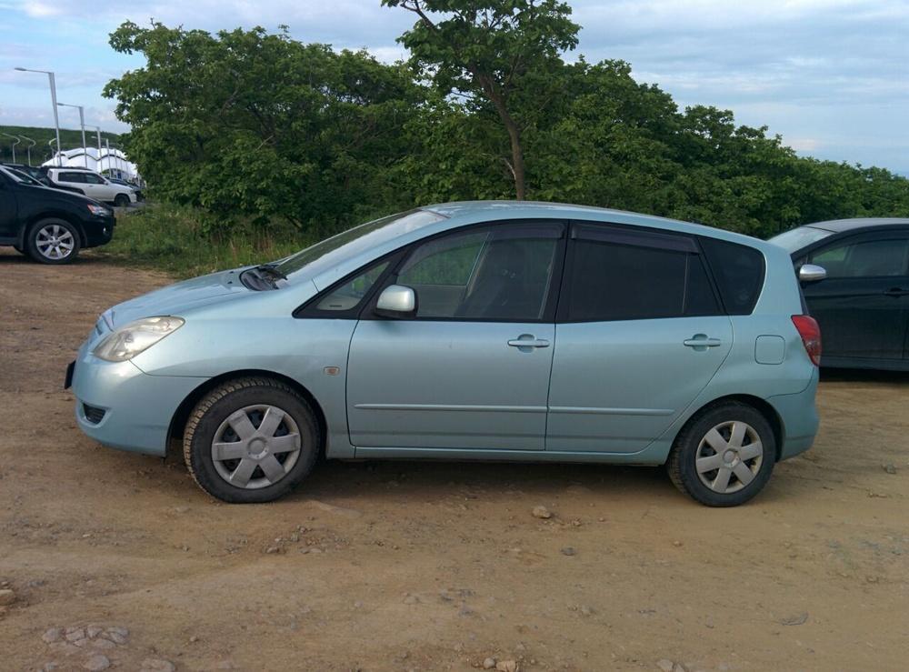 Подержанный Toyota Corolla Spacio, хорошее состояние, голубой , 2003 года выпуска, цена 350 000 руб. в Владивостоке