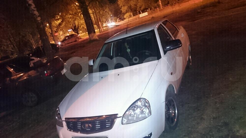 Подержанный ВАЗ (Lada) Priora, хорошее состояние, белый , 2013 года выпуска, цена 315 000 руб. в Нижнем Новгороде