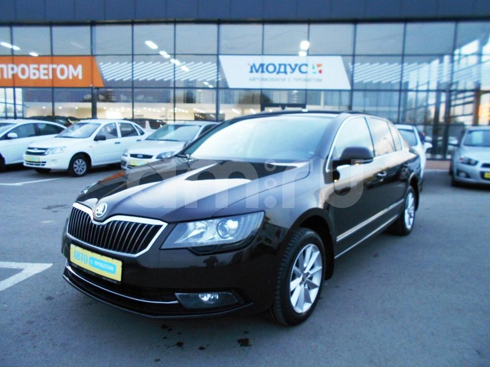Skoda Superb с пробегом, коричневый , отличное состояние, 2014 года выпуска, цена 890 000 руб. в автосалоне  ()
