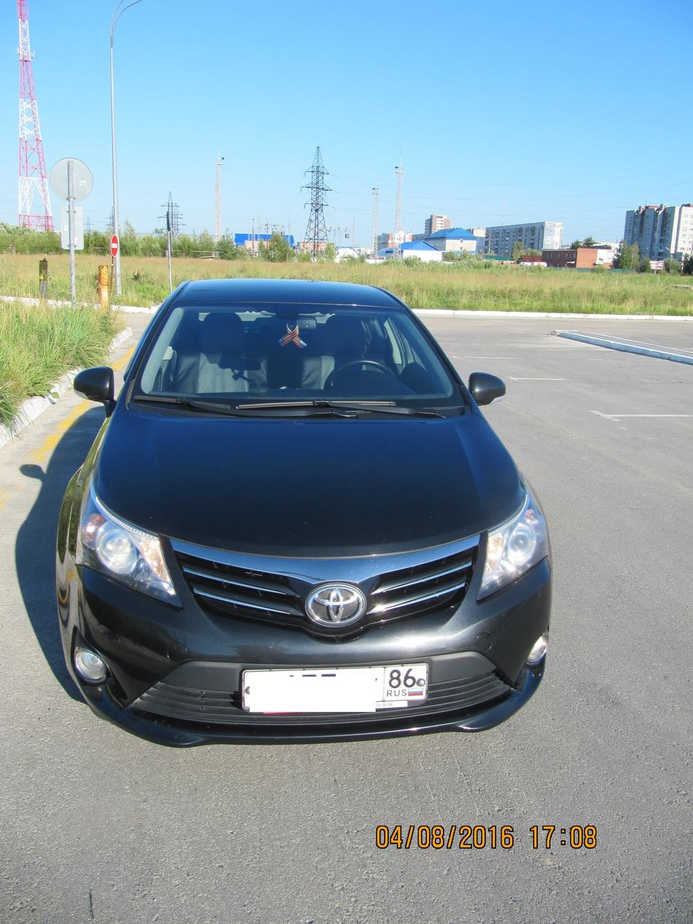 Подержанный Toyota Avensis, хорошее состояние, черный металлик, 2012 года выпуска, цена 1 030 000 руб. в ао. Ханты-Мансийском Автономном округе - Югре