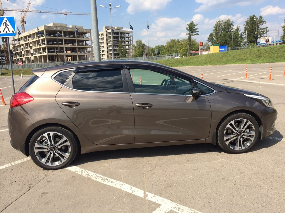 Подержанный Kia Cee'd, отличное состояние, коричневый , 2013 года выпуска, цена 565 000 руб. в республике Татарстане