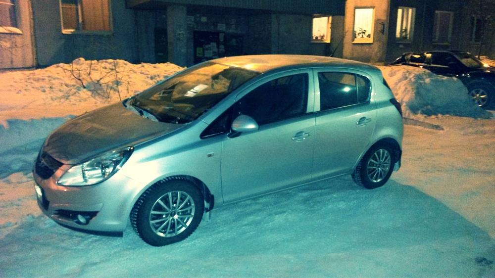 Подержанный Opel Corsa, отличное состояние, серебряный , 2008 года выпуска, цена 330 000 руб. в ао. Ханты-Мансийском Автономном округе - Югре