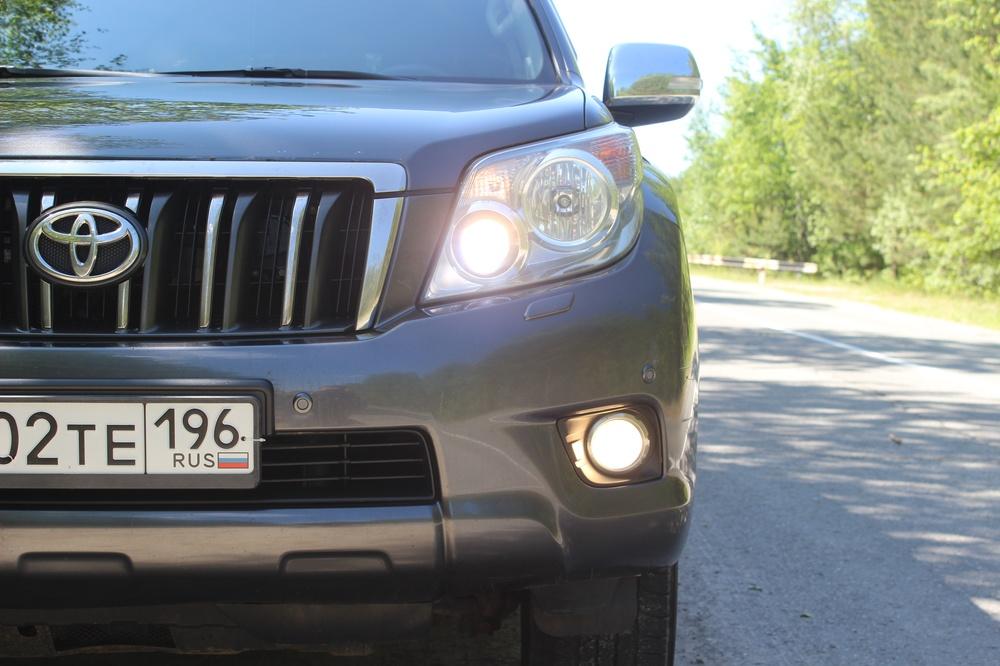 Подержанный Toyota Land Cruiser Prado, отличное состояние, мокрый асфальт металлик, 2010 года выпуска, цена 1 600 000 руб. в ао. Ханты-Мансийском Автономном округе - Югре