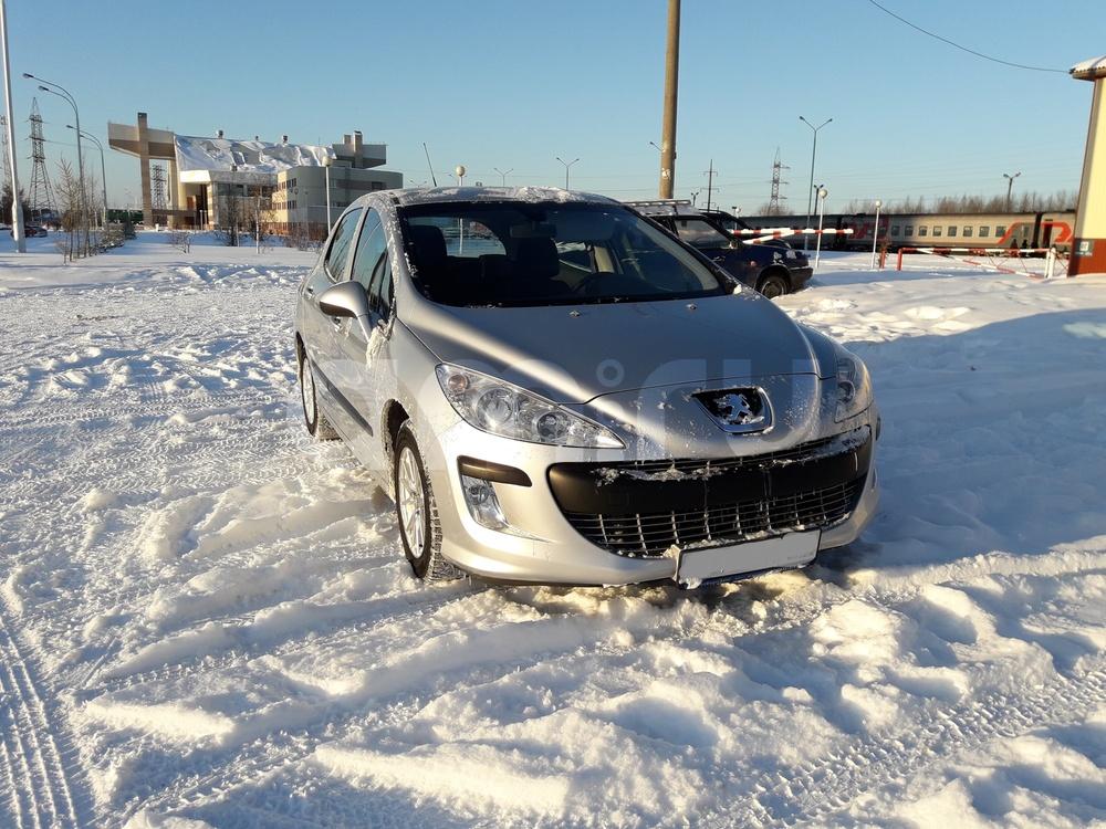 Подержанный Peugeot 308, отличное состояние, серебряный , 2010 года выпуска, цена 358 000 руб. в ао. Ханты-Мансийском Автономном округе - Югре