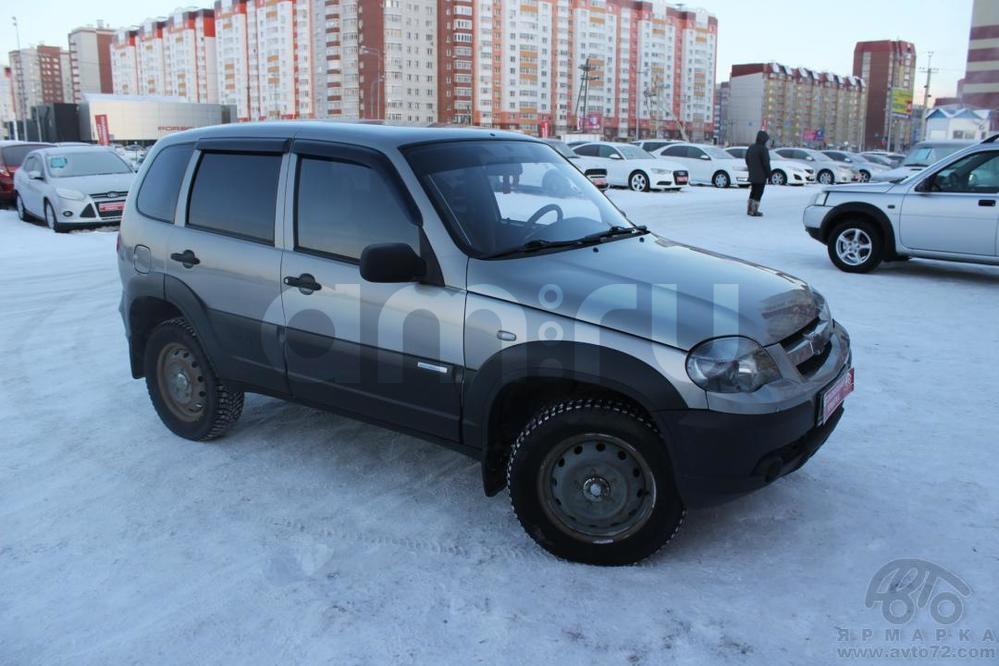 Chevrolet Niva с пробегом, серебряный , хорошее состояние, 2010 года выпуска, цена 330 000 руб. в автосалоне  ()