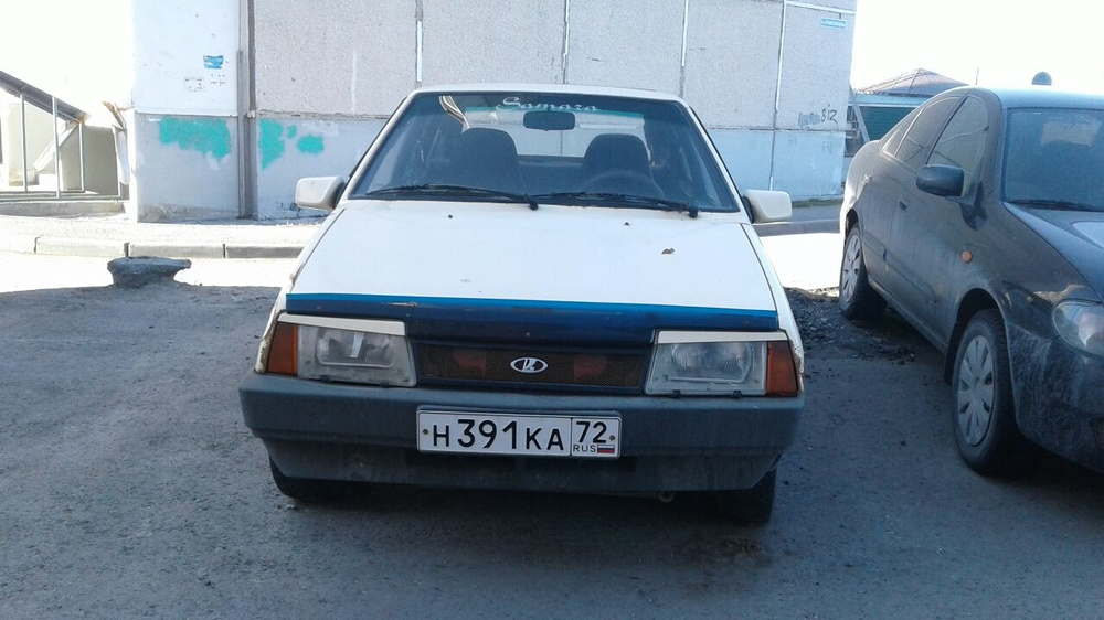Подержанный ВАЗ (Lada) 2109, среднее состояние, бежевый , 1990 года выпуска, цена 30 000 руб. в Тюмени