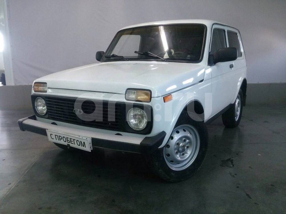 ВАЗ (Lada) 4x4 с пробегом, белый металлик, хорошее состояние, 2002 года выпуска, цена 129 000 руб. в автосалоне АвтоФорум 64 (Саратов, ул. Усть-Курдюмская, д. 33)