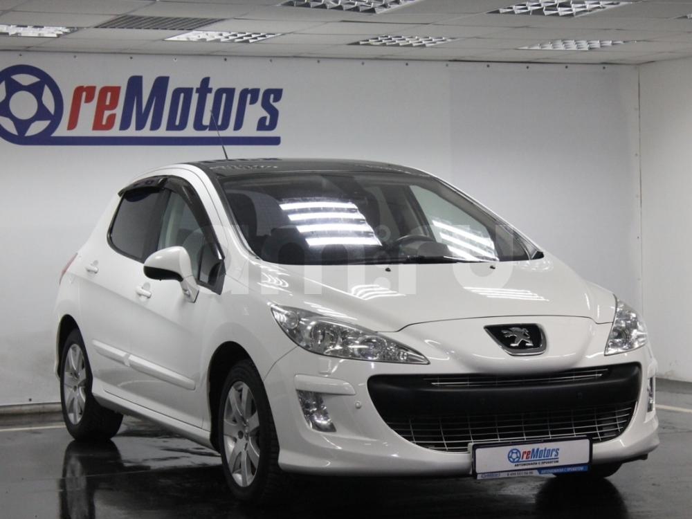 Peugeot 308 с пробегом, белый , отличное состояние, 2011 года выпуска, цена 389 000 руб. в автосалоне ReMotors (Москва, ш. Варшавское, д. 87Б (минус 2-ой этаж ТЦ, ст. м. Варшавское))