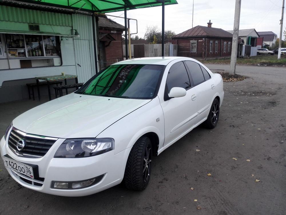 Подержанный Nissan Almera Classic, отличное состояние, белый перламутр, 2010 года выпуска, цена 340 000 руб. в Воронежской области