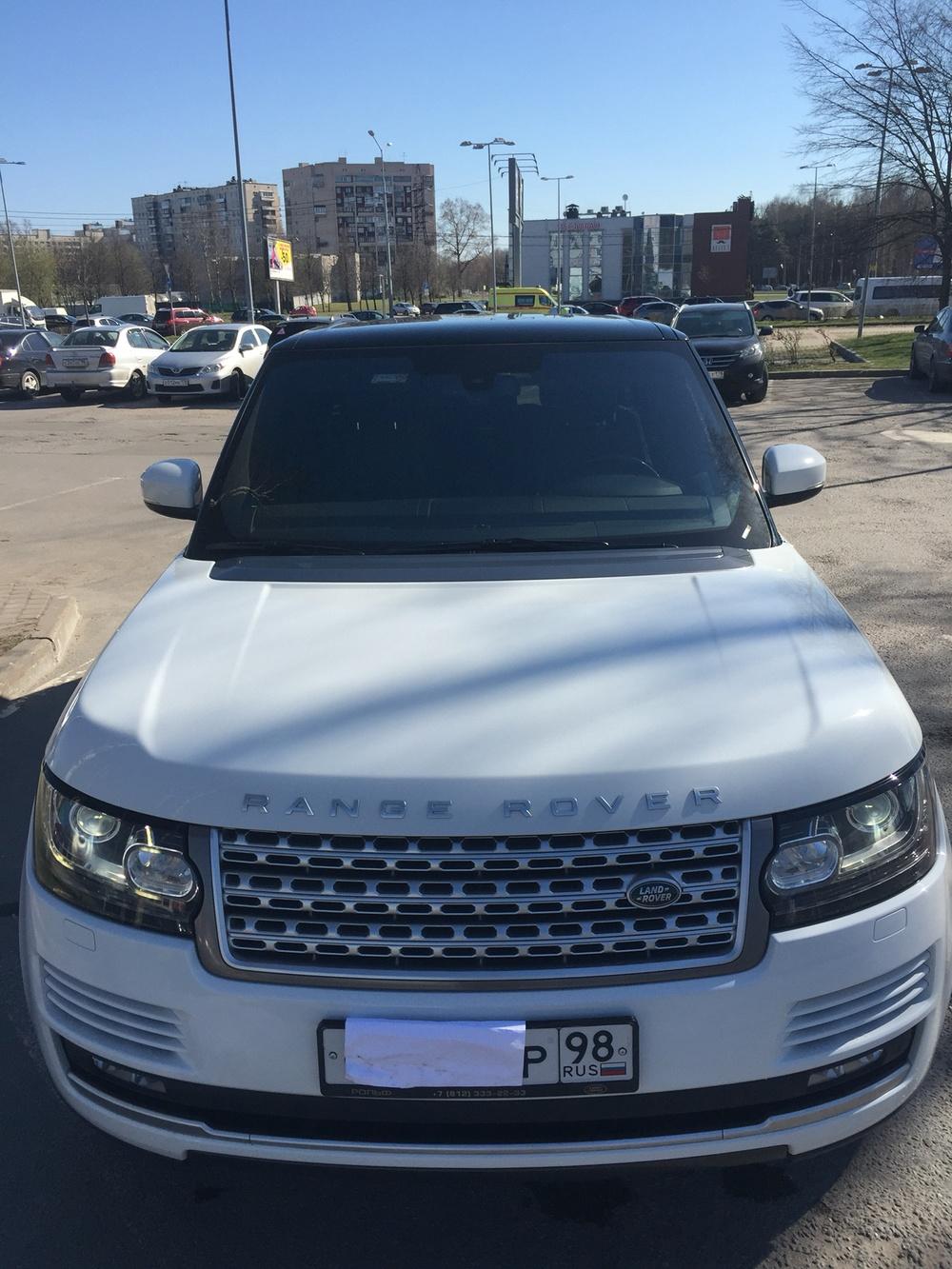 Подержанный Land Rover Range Rover, отличное состояние, белый перламутр, 2014 года выпуска, цена 3 750 000 руб. в Санкт-Петербурге