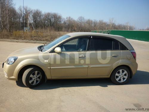 Подержанный Kia Rio, отличное состояние, бежевый , 2011 года выпуска, цена 400 000 руб. в Челябинской области