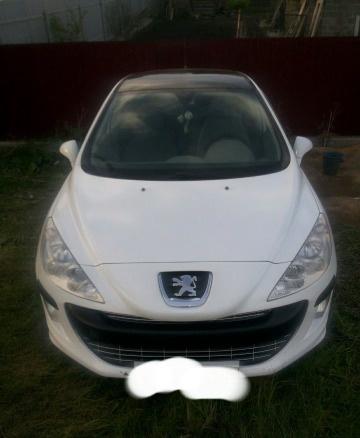 Подержанный Peugeot 308, отличное состояние, белый , 2008 года выпуска, цена 360 000 руб. в Челябинской области