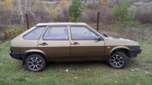 Подержанный ВАЗ (Lada) 2109, хорошее состояние, бронзовый металлик, 1999 года выпуска, цена 50 000 руб. в Ульяновской области