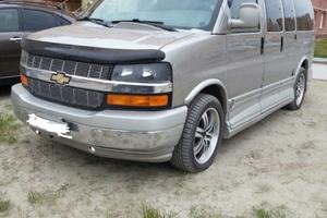 Автомобиль Chevrolet Express, отличное состояние, 2004 года выпуска, цена 1 500 000 руб., Сургут