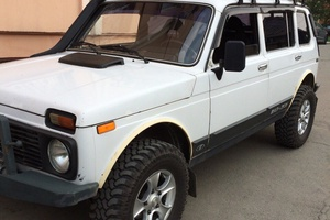 Подержанный автомобиль ВАЗ (Lada) 4x4, отличное состояние, 2005 года выпуска, цена 270 000 руб., Челябинск