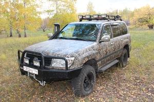 Автомобиль Toyota Land Cruiser, хорошее состояние, 2000 года выпуска, цена 1 150 000 руб., Челябинск