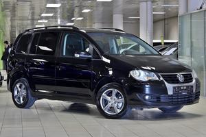 Авто Volkswagen Touran, 2009 года выпуска, цена 533 333 руб., Москва