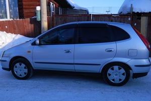 Автомобиль Nissan Tino, отличное состояние, 2001 года выпуска, цена 250 000 руб., Курган