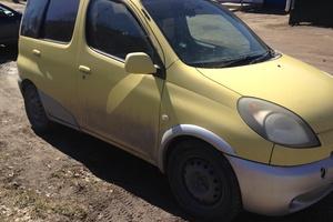 Подержанный автомобиль Toyota Fun Cargo, хорошее состояние, 2000 года выпуска, цена 180 000 руб., Кыштым