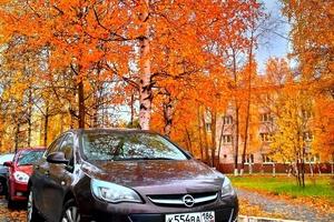 Подержанный автомобиль Opel Astra, отличное состояние, 2013 года выпуска, цена 700 000 руб., Сургут