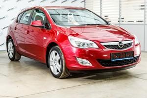 Авто Opel Astra, 2011 года выпуска, цена 460 000 руб., Москва