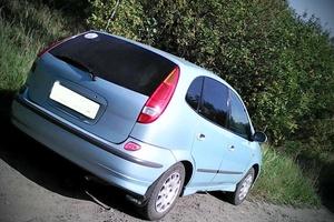 Автомобиль Nissan Tino, хорошее состояние, 1999 года выпуска, цена 210 000 руб., Новокузнецк