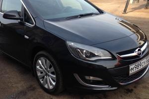 Автомобиль Opel Astra, хорошее состояние, 2013 года выпуска, цена 660 000 руб., Рославль