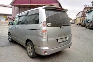 Автомобиль Toyota Voxy, хорошее состояние, 2002 года выпуска, цена 450 000 руб., Калужская область