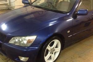 Автомобиль Toyota Altezza, хорошее состояние, 2001 года выпуска, цена 300 000 руб., Екатеринбург
