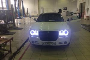 Автомобиль Chrysler 300C, хорошее состояние, 2006 года выпуска, цена 690 000 руб., Сургут