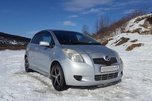 Автомобиль Toyota Vitz, хорошее состояние, 2005 года выпуска, цена 360 000 руб., Магадан