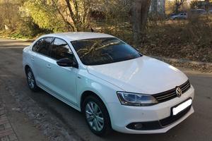 Автомобиль Volkswagen Jetta, отличное состояние, 2013 года выпуска, цена 737 000 руб., Челябинск