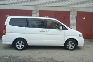 Автомобиль Nissan Serena, хорошее состояние, 2003 года выпуска, цена 360 000 руб., Барнаул