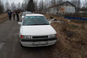 Автомобиль Mazda Familia, среднее состояние, 1992 года выпуска, цена 45 000 руб., Людиново